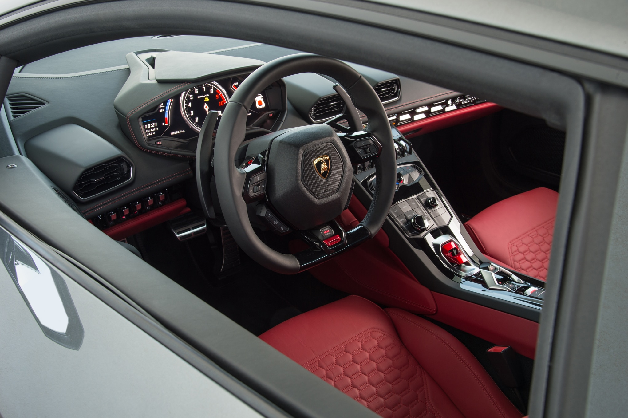 lamborghini huracan interior 2015 2015 lamborghini huracan interior from drivers side photo 51. Black Bedroom Furniture Sets. Home Design Ideas