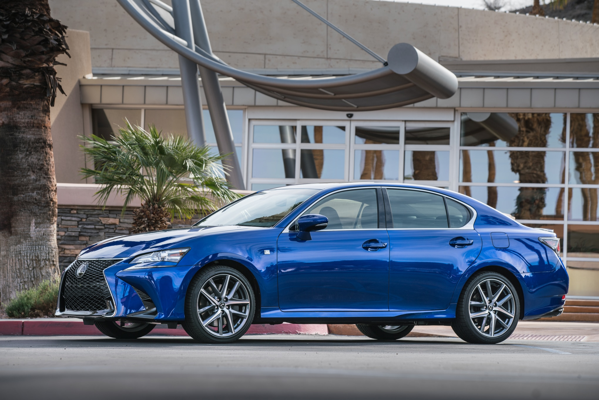 http://st.automobilemag.com/uploads/sites/11/2015/12/2016-Lexus-GS-200t-F-Sport-front-three-quarter-03.jpg
