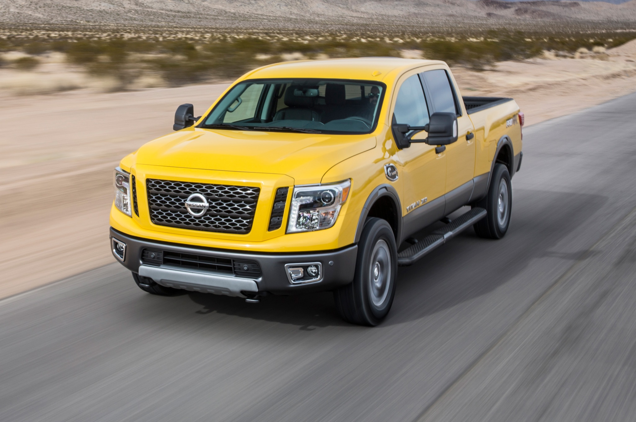 2016 nissan titan xd gains 5 6 liter gasoline v 8 engine. Black Bedroom Furniture Sets. Home Design Ideas