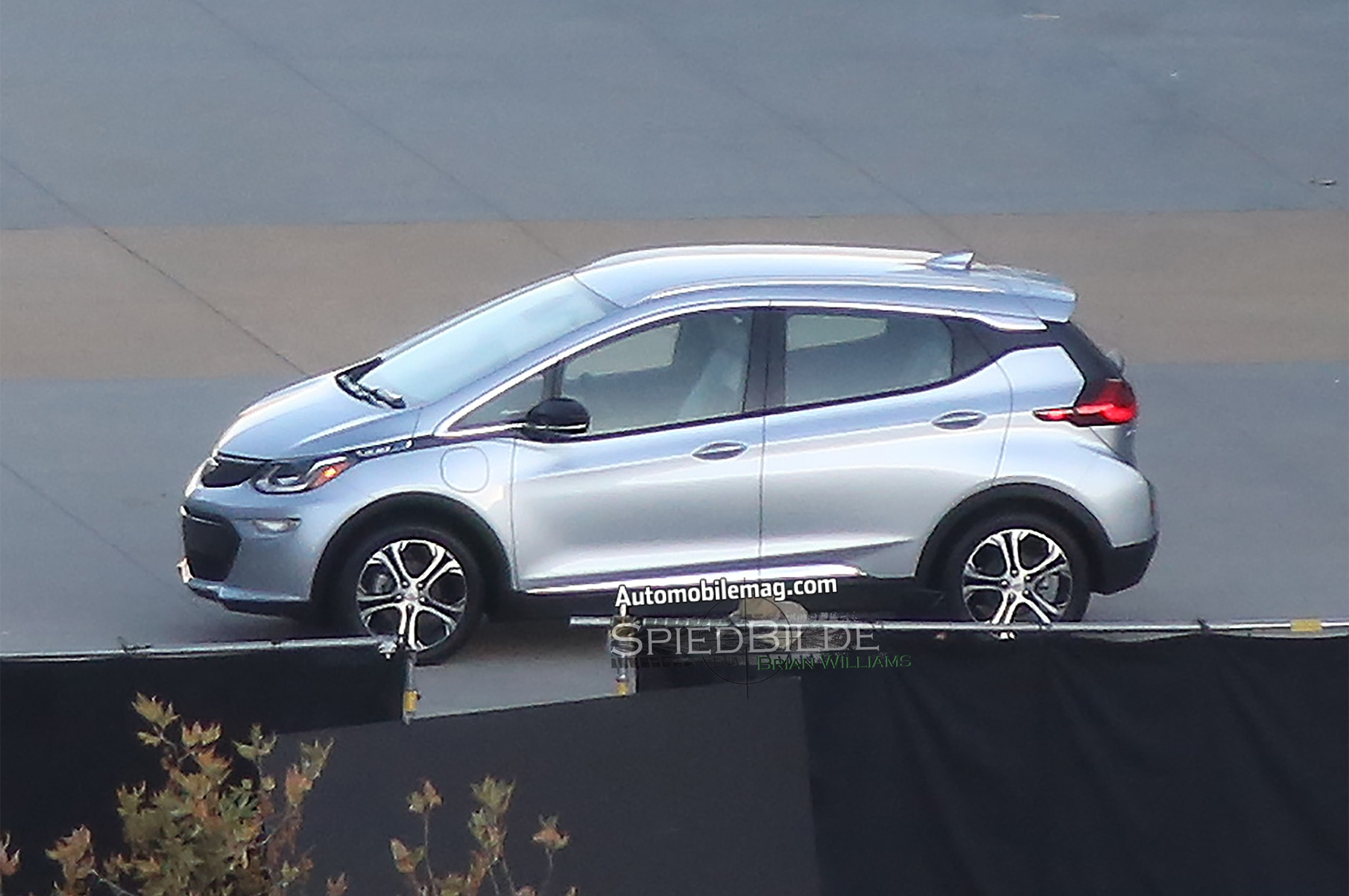 production 2017 chevrolet bolt caught completely undisguised. Black Bedroom Furniture Sets. Home Design Ideas