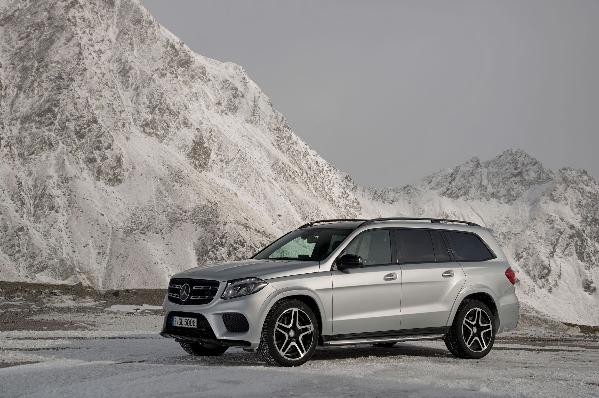 2017 mercedes benz gls review for Mercedes benz mountain view