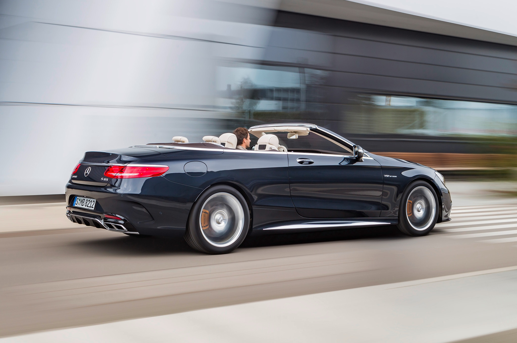 2017 mercedes amg s65 cabriolet is a 621 hp 186 mph convertible. Black Bedroom Furniture Sets. Home Design Ideas