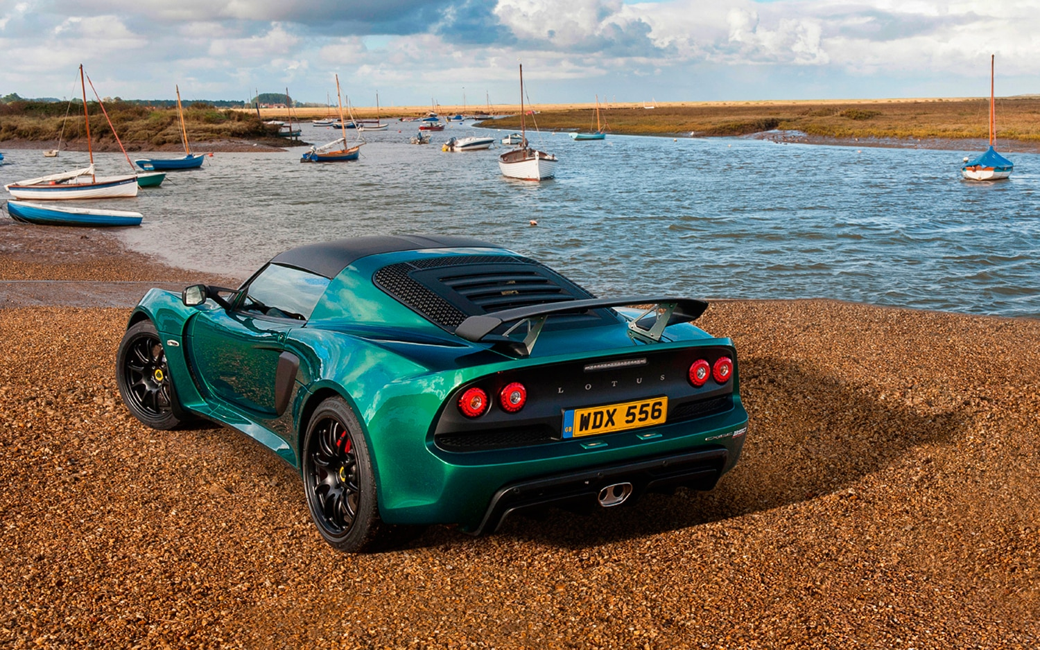 lotus exige sport 350 cuts weight adds performance. Black Bedroom Furniture Sets. Home Design Ideas