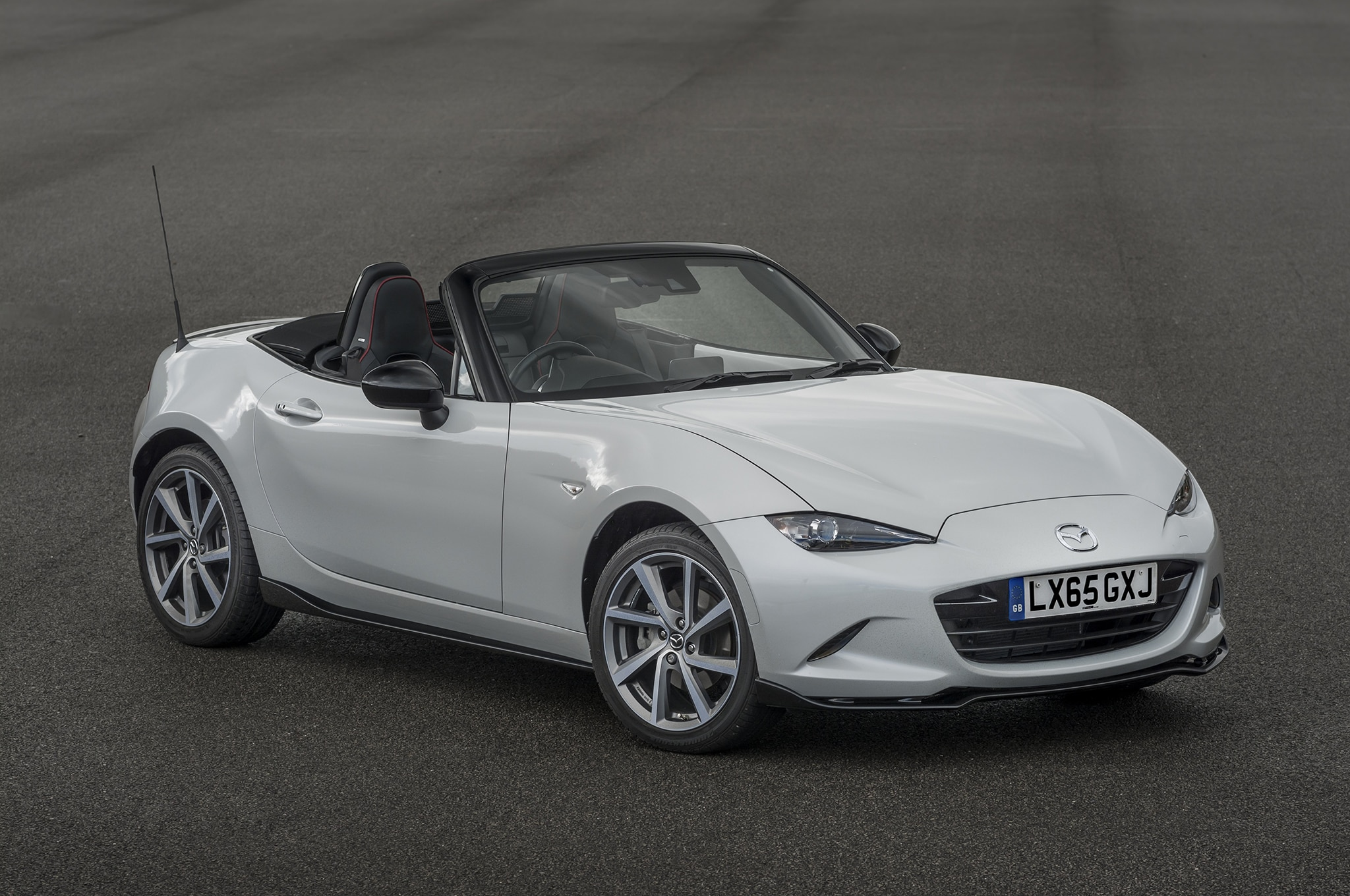 report revived honda s2000 to target mazda mx 5 miata. Black Bedroom Furniture Sets. Home Design Ideas