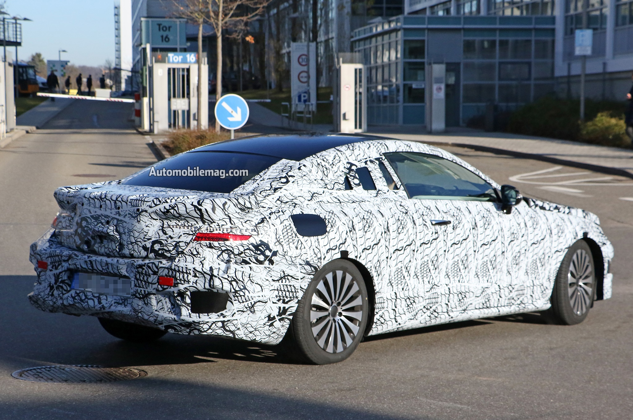 2017 mercedes benz e class coupe spied with rakish roofline for New mercedes benz e class coupe 2017