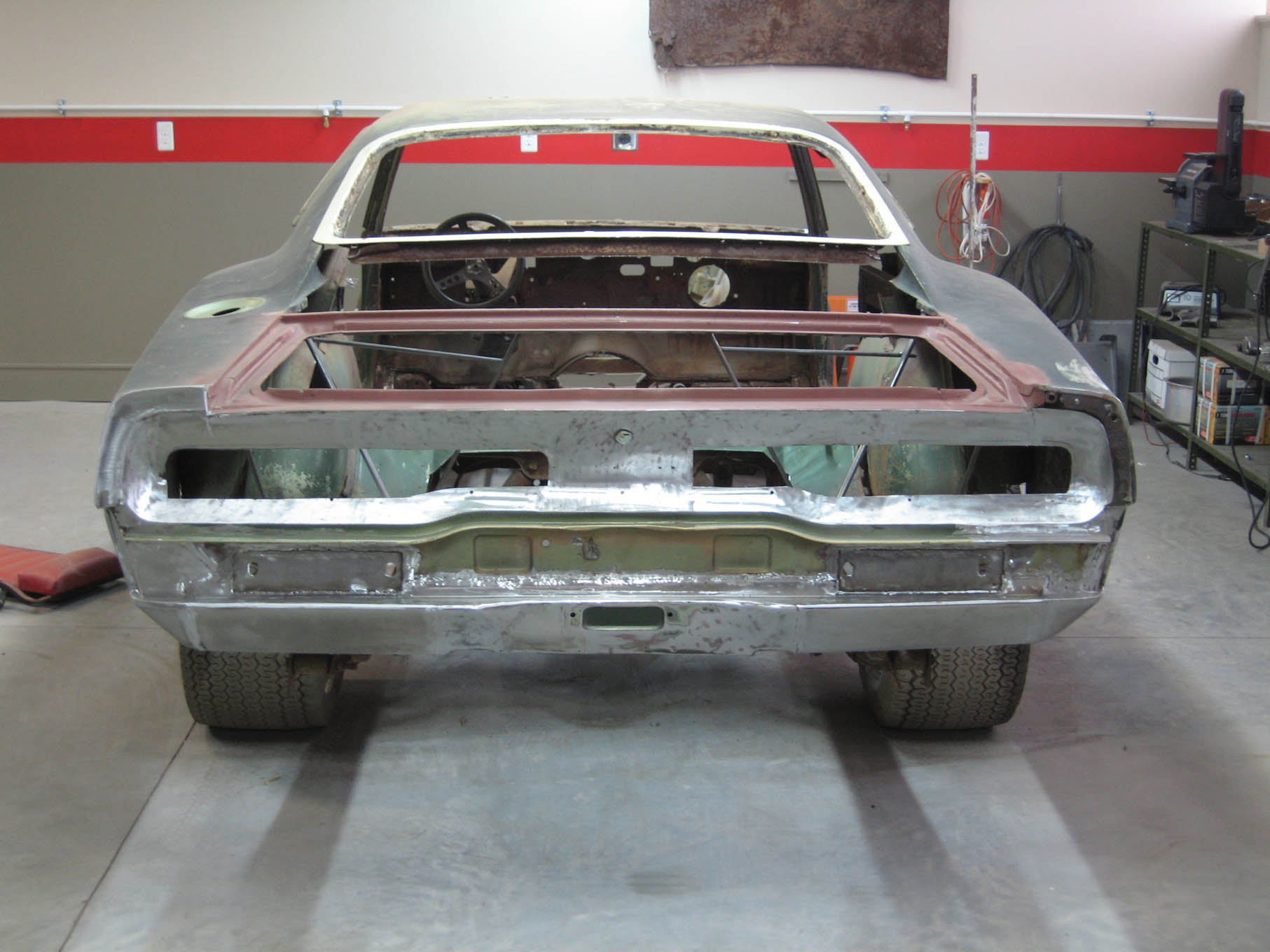 Turning a Wrecked Charger SRT8 Into a \'69 Dodge Daytona Clone