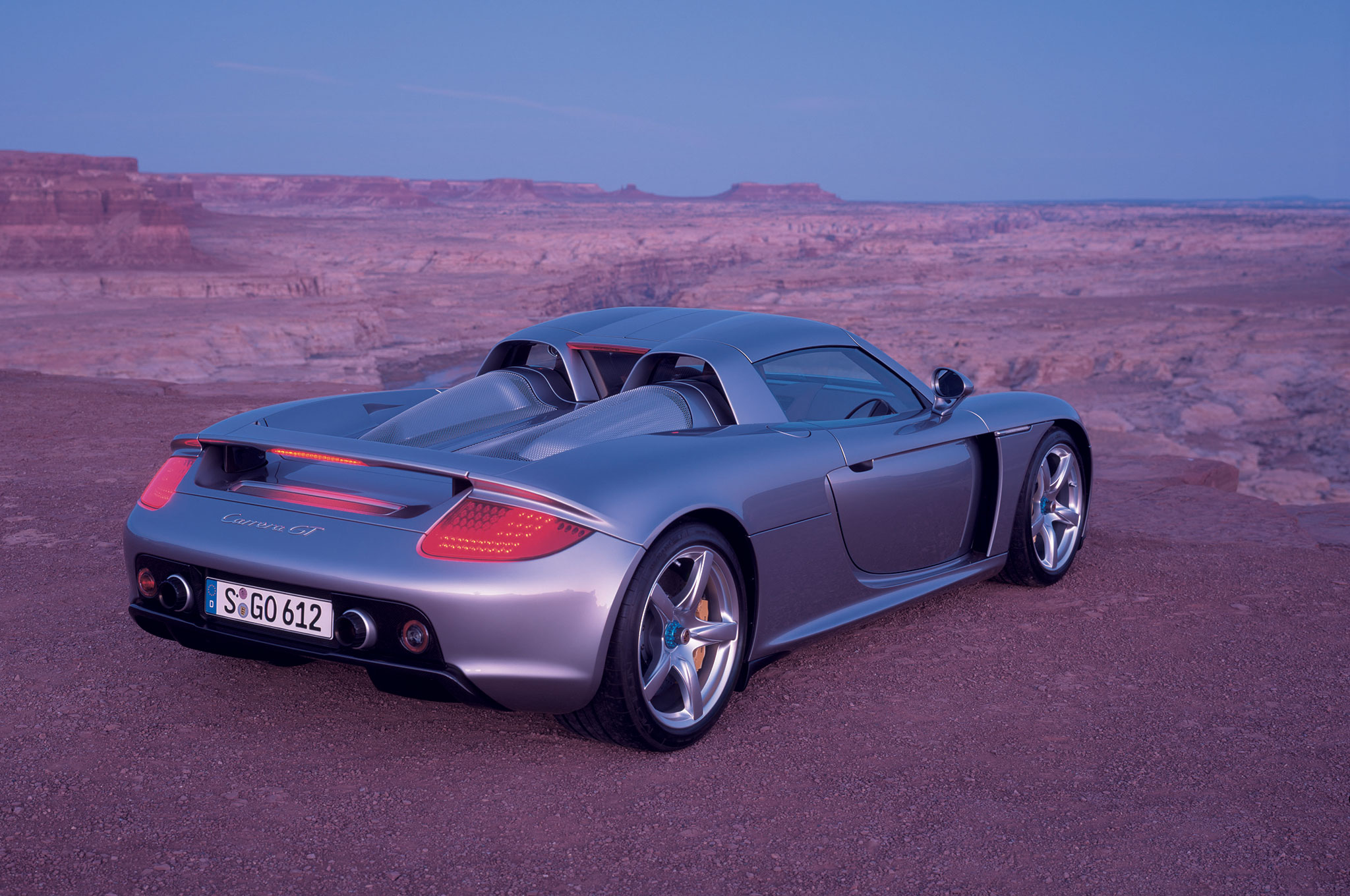 jerry seinfeld reviews the porsche carrera gt. Black Bedroom Furniture Sets. Home Design Ideas