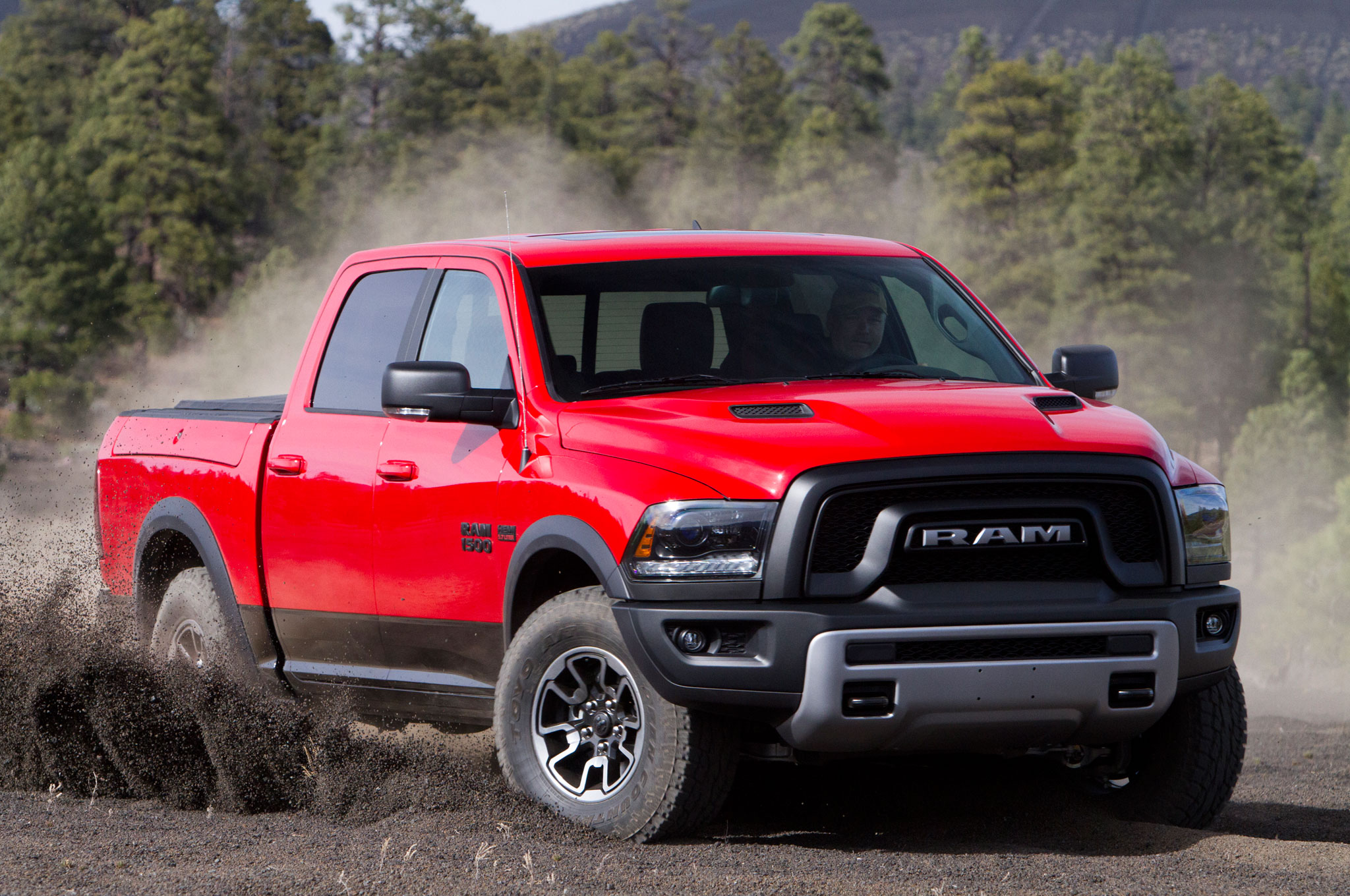 2016 ram 1500 rebel crew cab 4x4 review. Black Bedroom Furniture Sets. Home Design Ideas