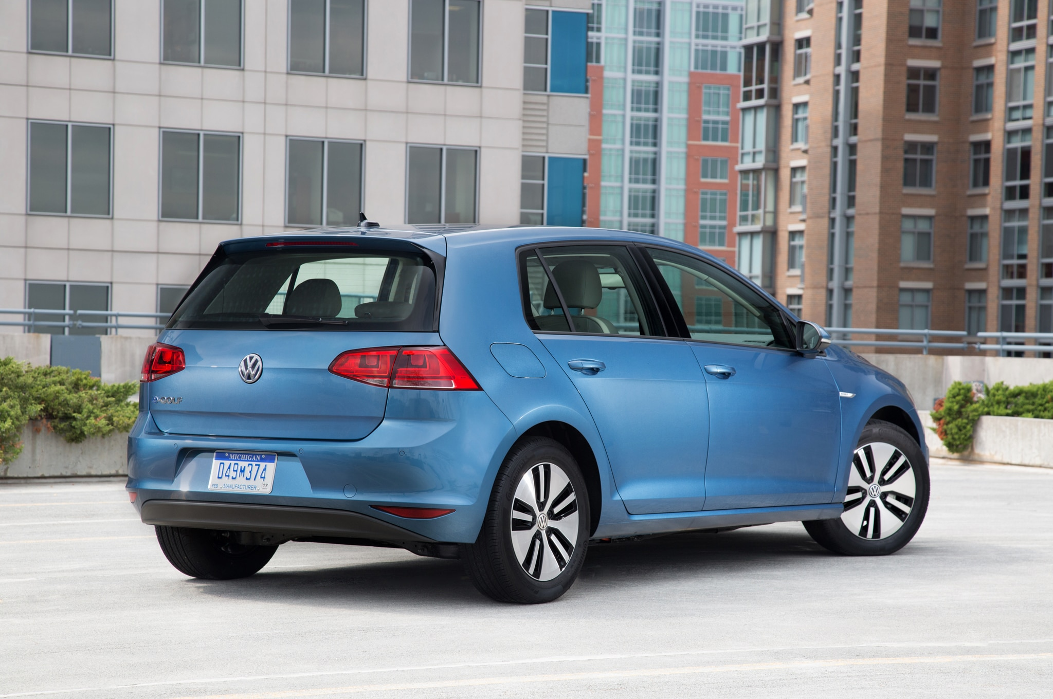 volkswagen e golf to get 30 percent driving range improvement. Black Bedroom Furniture Sets. Home Design Ideas
