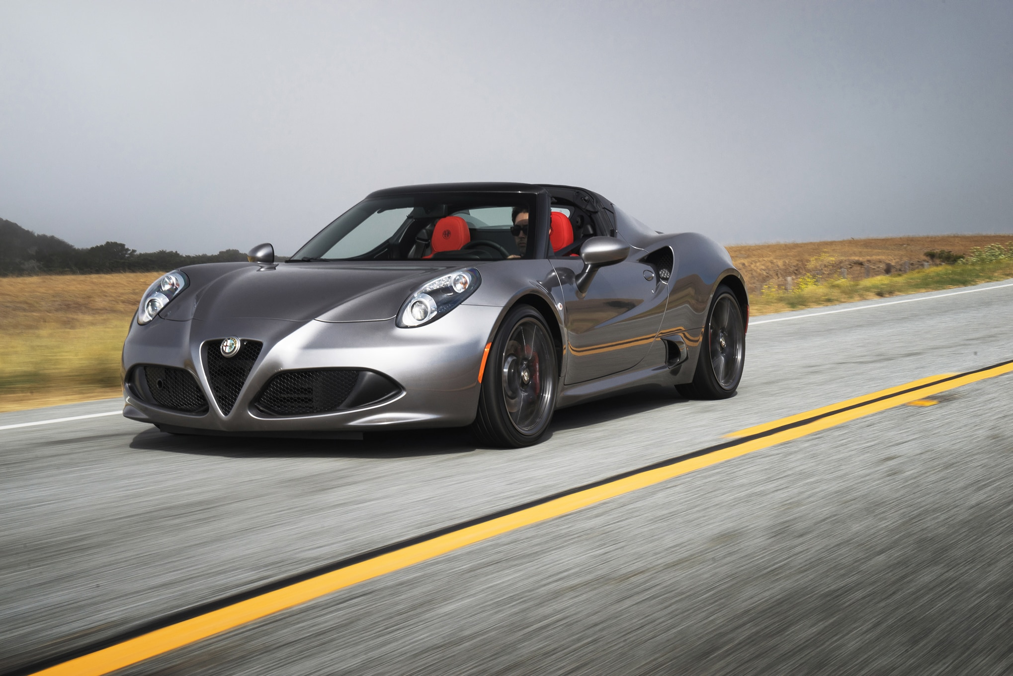 2016 alfa romeo 4c gets more carbon fiber optional. Black Bedroom Furniture Sets. Home Design Ideas