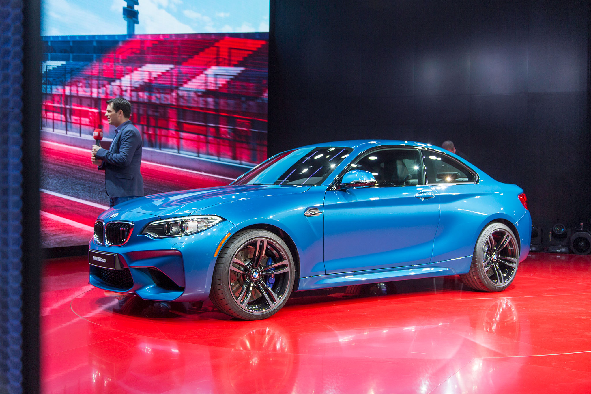 2016 bmw m2 debuts at detroit starts at 52 695. Black Bedroom Furniture Sets. Home Design Ideas