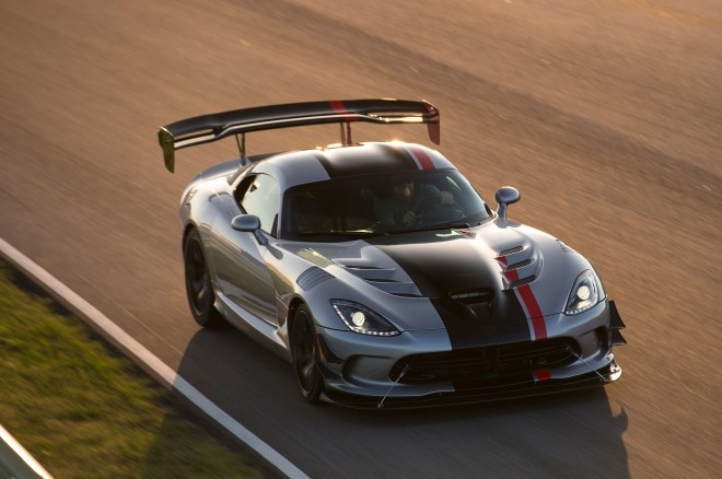 2016 Dodge Viper ACR Front Three Quarter In Motion 05 660x438