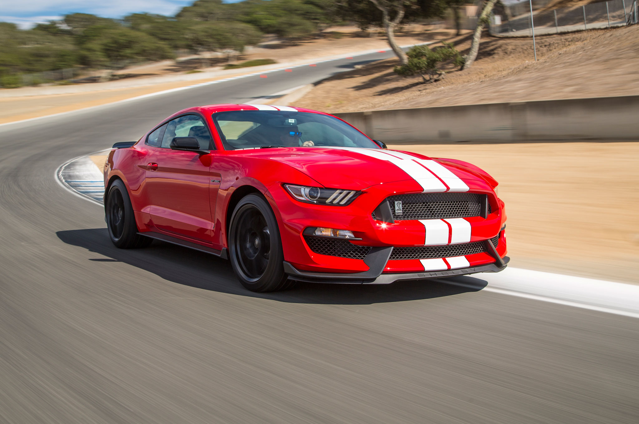 ford launches free driving school program for shelby gt350 mustang buyers automobile. Black Bedroom Furniture Sets. Home Design Ideas