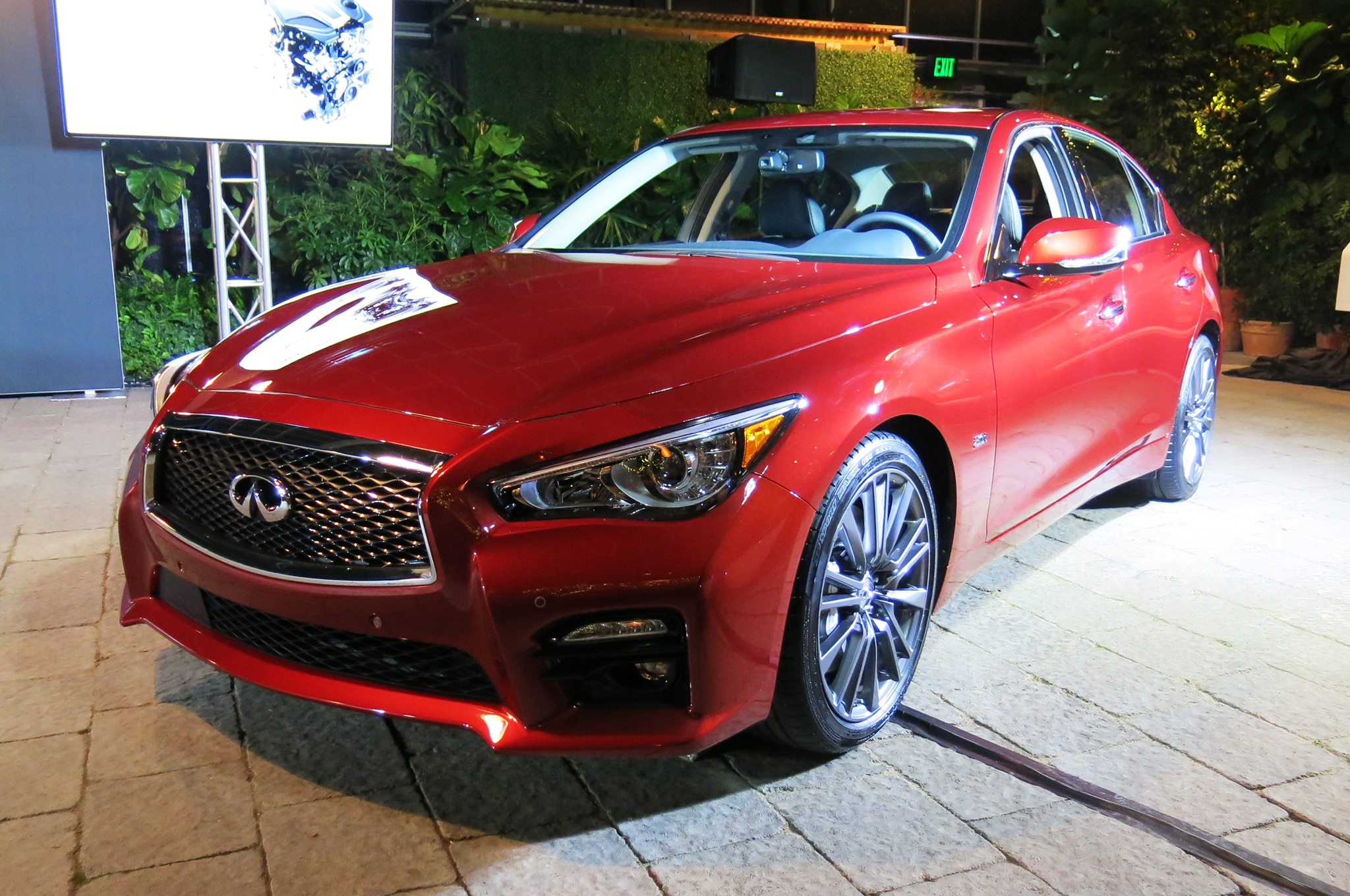 2016 infiniti q50 gains new 3 0l twin turbo v 6 with 400 hp. Black Bedroom Furniture Sets. Home Design Ideas