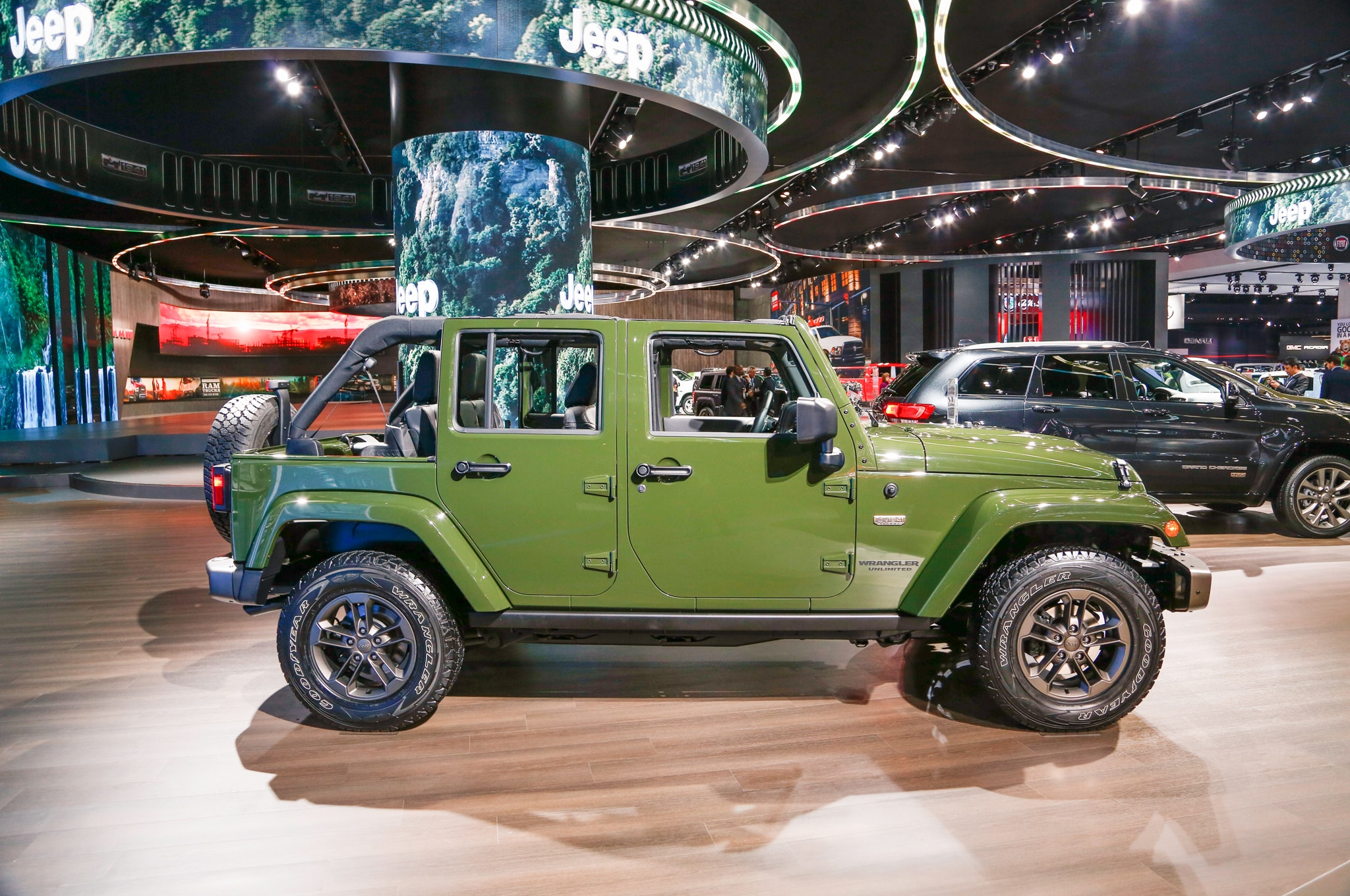 next jeep wrangler to spawn hybrid diesel and pickup variants. Black Bedroom Furniture Sets. Home Design Ideas