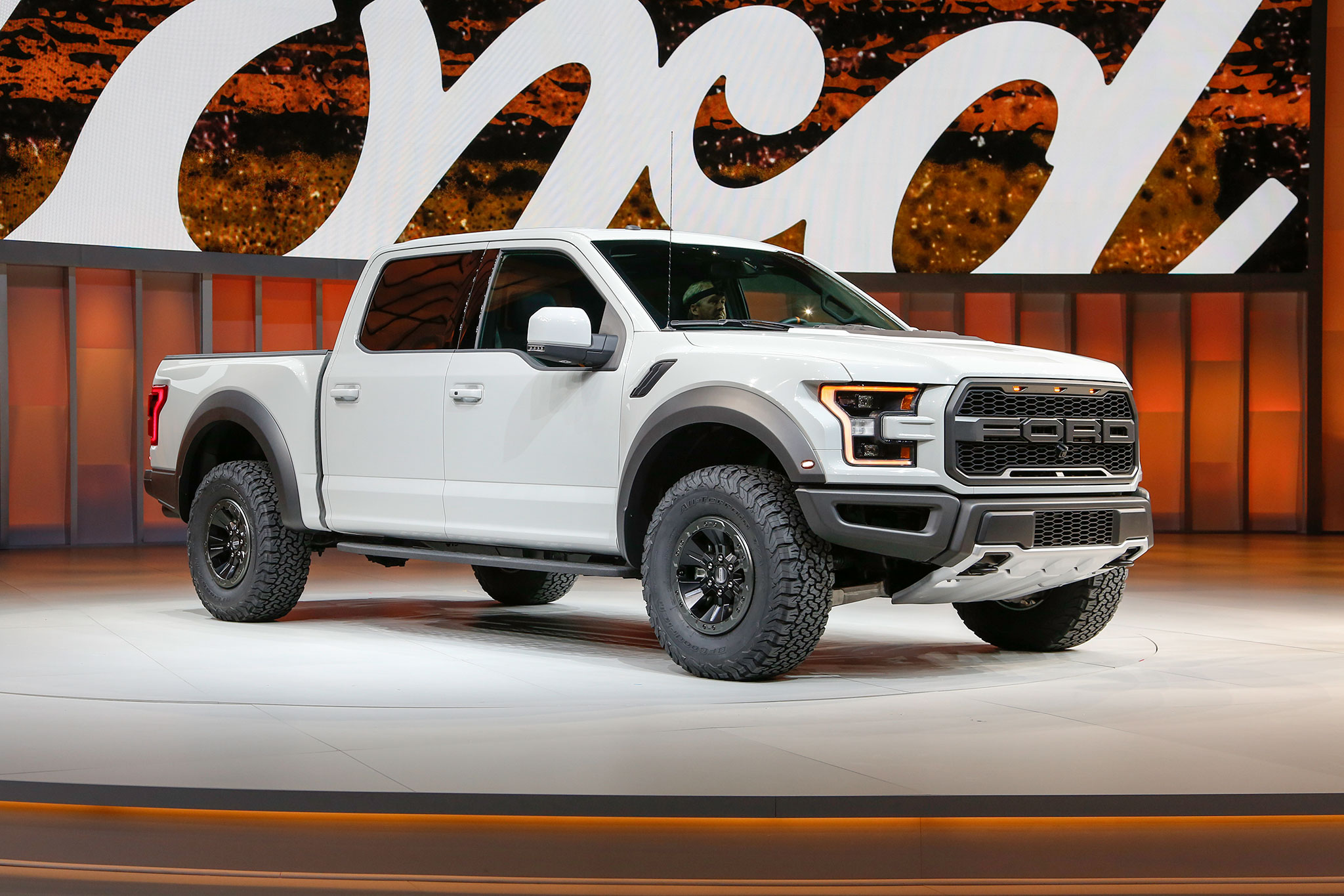 2017 ford f 150 raptor officially rated at 450 hp automobile magazine. Black Bedroom Furniture Sets. Home Design Ideas