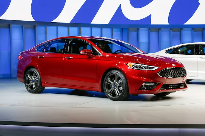 2017 Ford Fusion Front Three Quarter 02