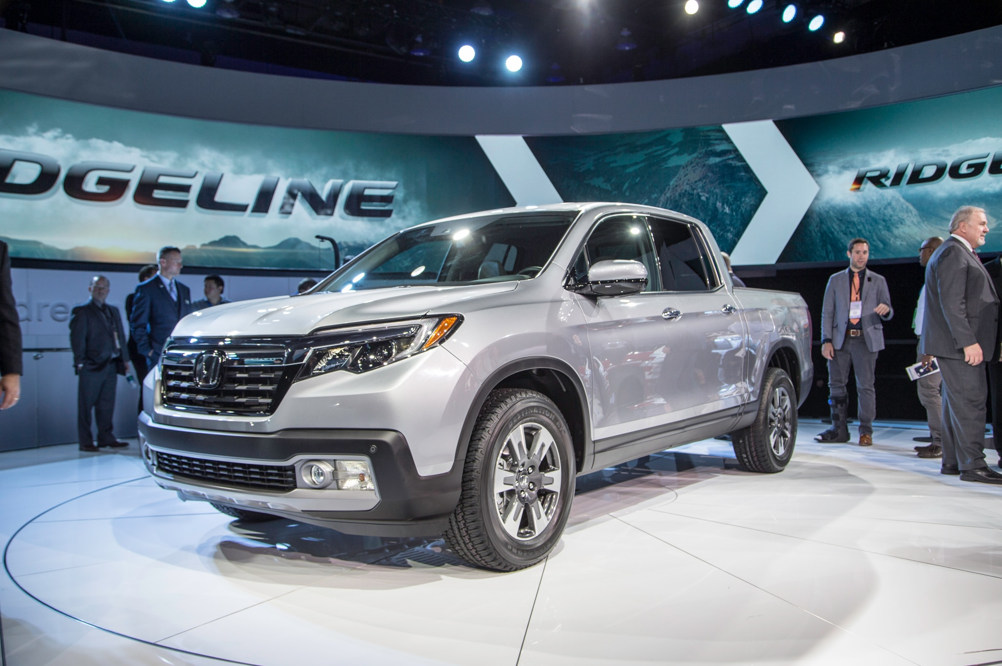 2017 Honda Ridgeline Front Three Quarter2