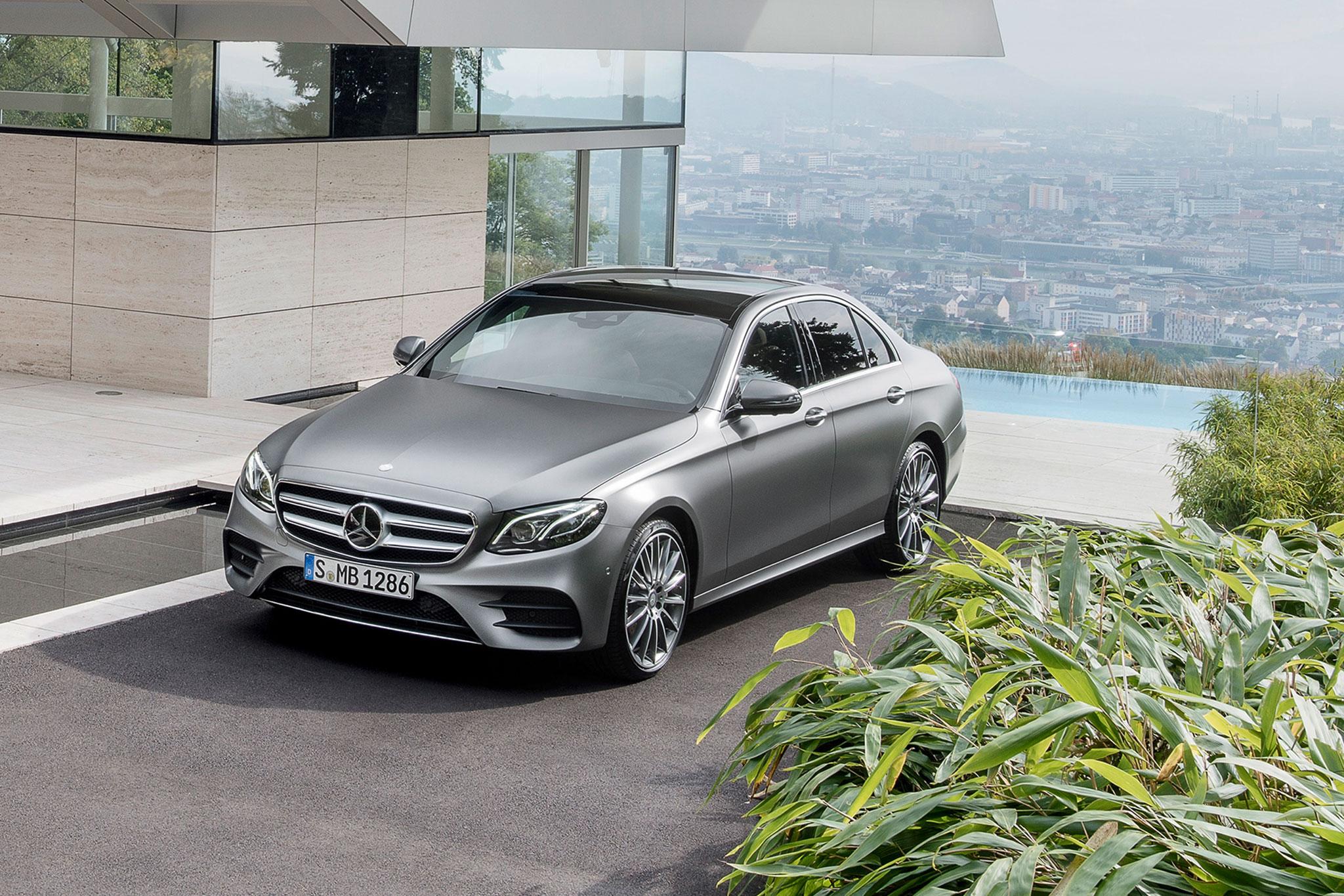 2017 mercedes benz e class debuts with sleek looks tons for Mercedes benz e300 diesel