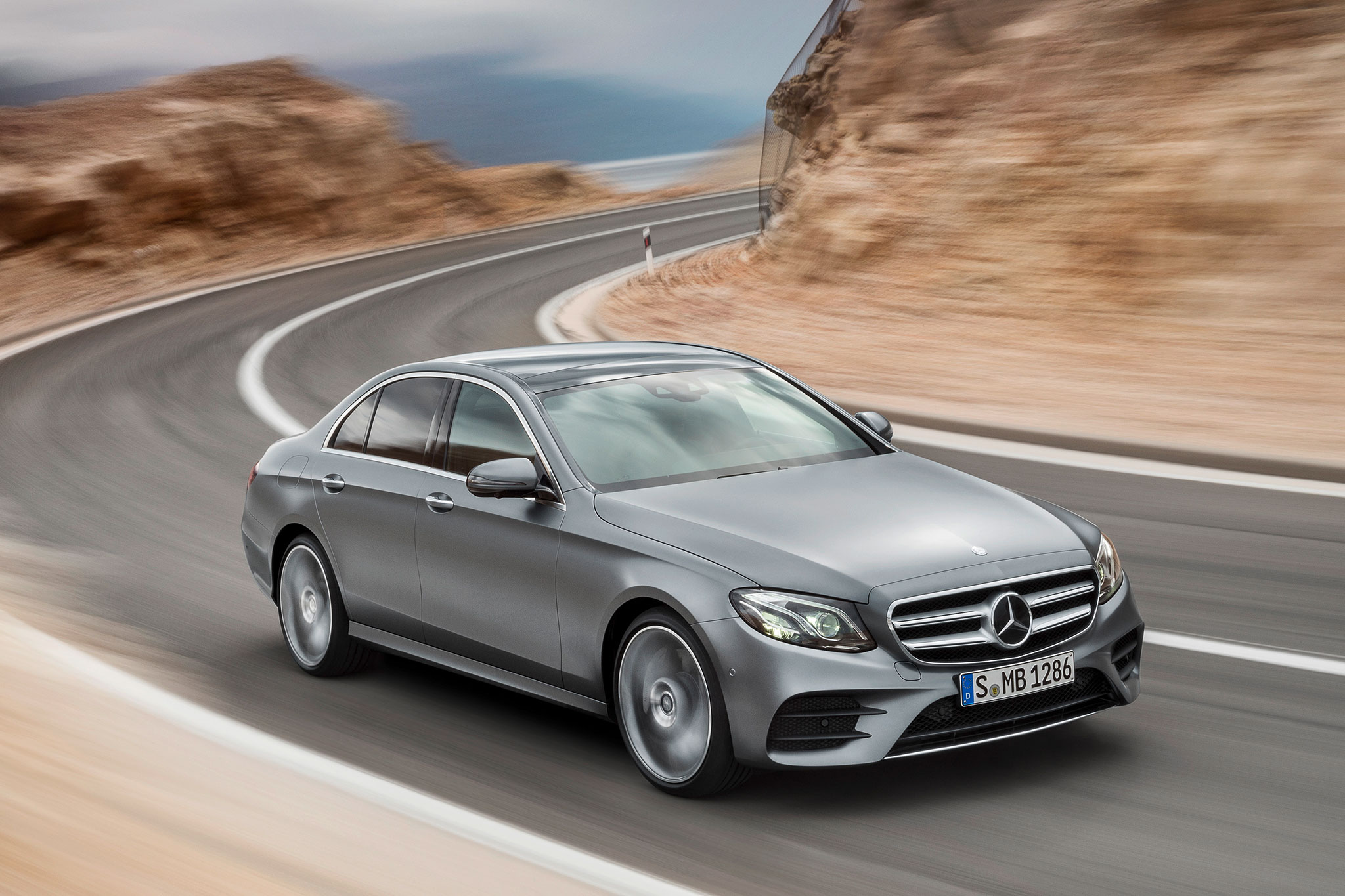 2017 mercedes benz e class debuts with sleek looks tons for E400 mercedes benz 2017