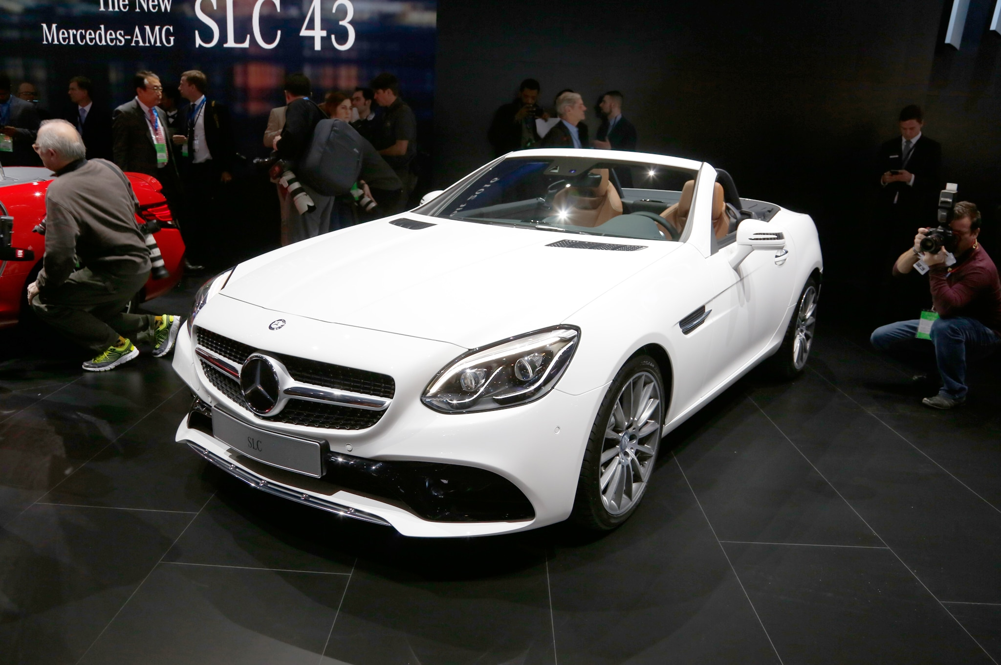 2017 mercedes benz slc heads to detroit with new styling and features. Black Bedroom Furniture Sets. Home Design Ideas