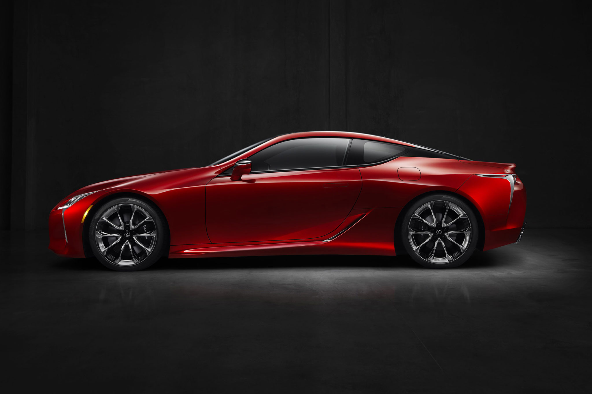 2018 Lexus LC 500 side side profile 02