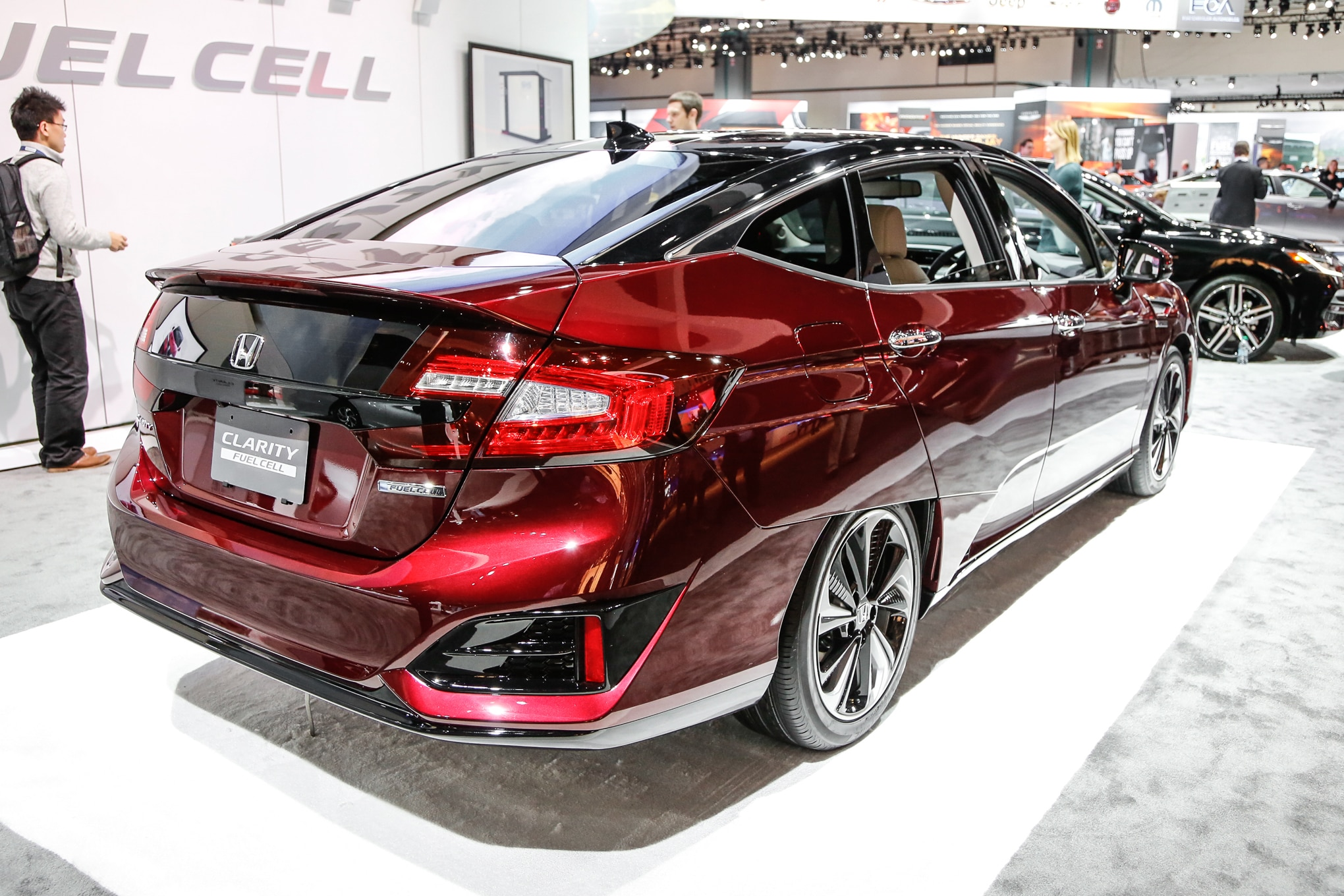 Honda clarity fuel cell lease price will be under 500 a month for Honda dealers los angeles