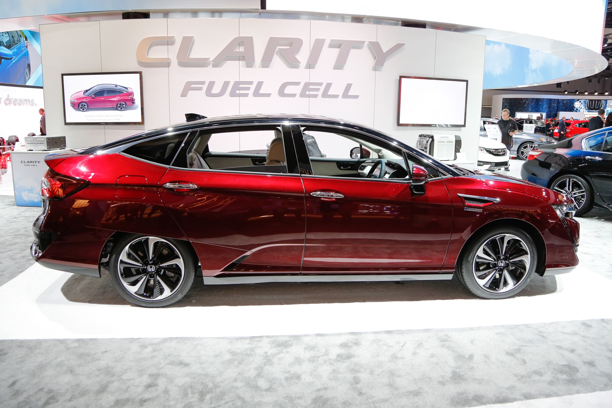 honda clarity electric plug in hybrid joining fuel cell model in 2017 automobile. Black Bedroom Furniture Sets. Home Design Ideas
