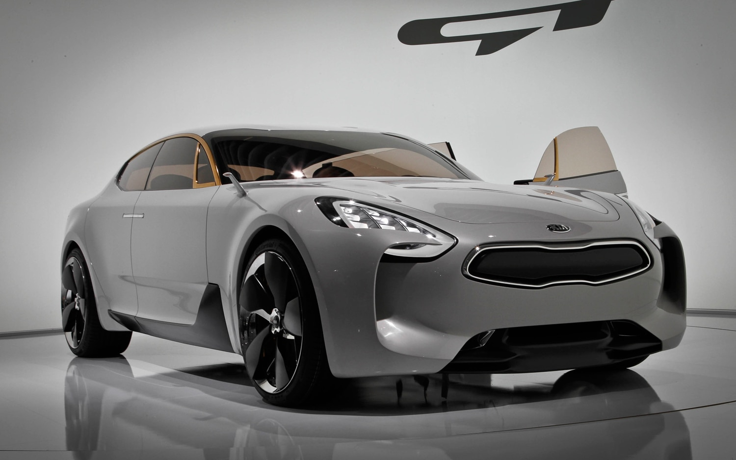 report kia gt sports car debuts this year rio gt hot hatch in 2018. Black Bedroom Furniture Sets. Home Design Ideas