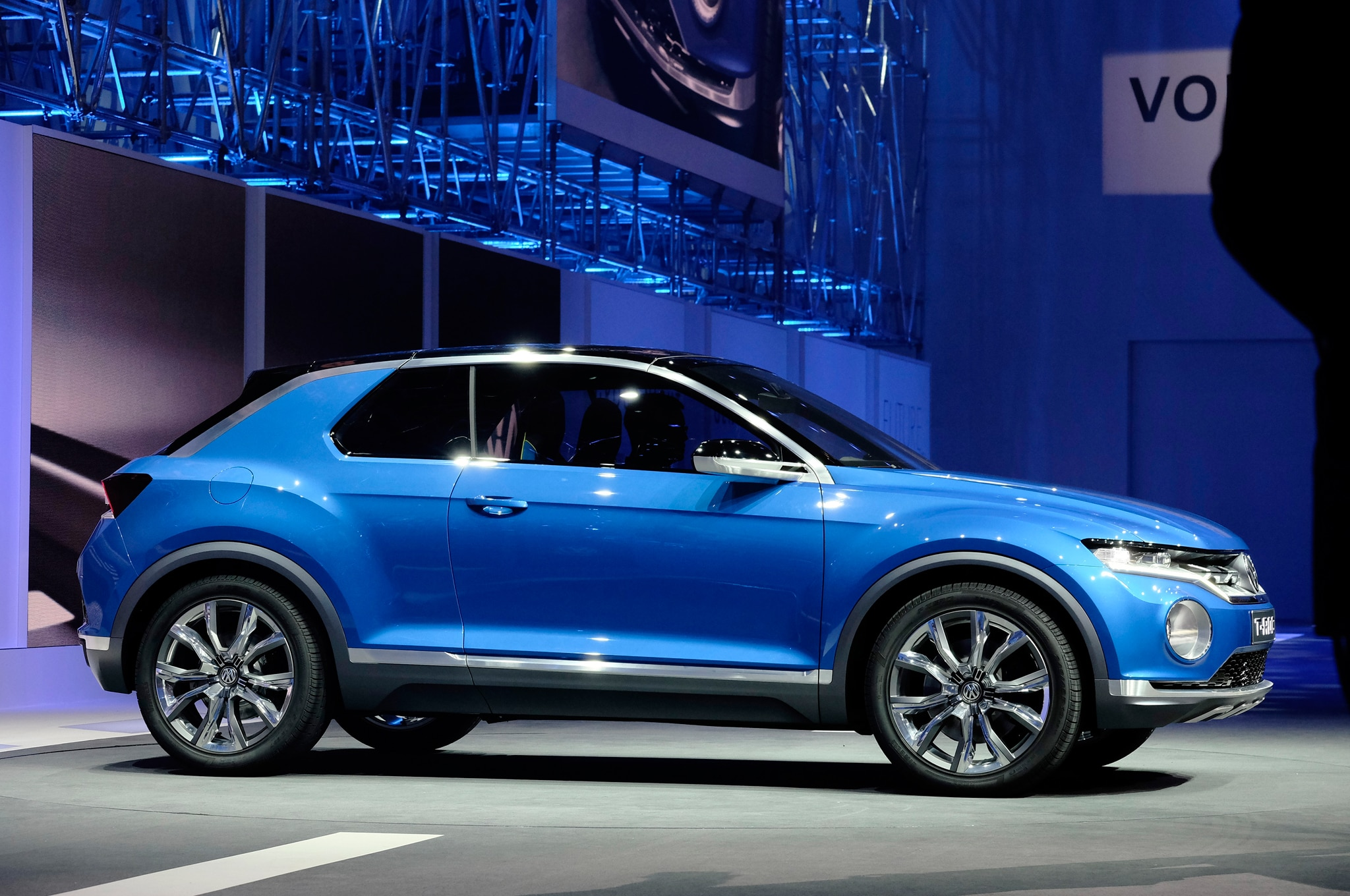 report volkswagen t cross subcompact crossover concept due in geneva. Black Bedroom Furniture Sets. Home Design Ideas
