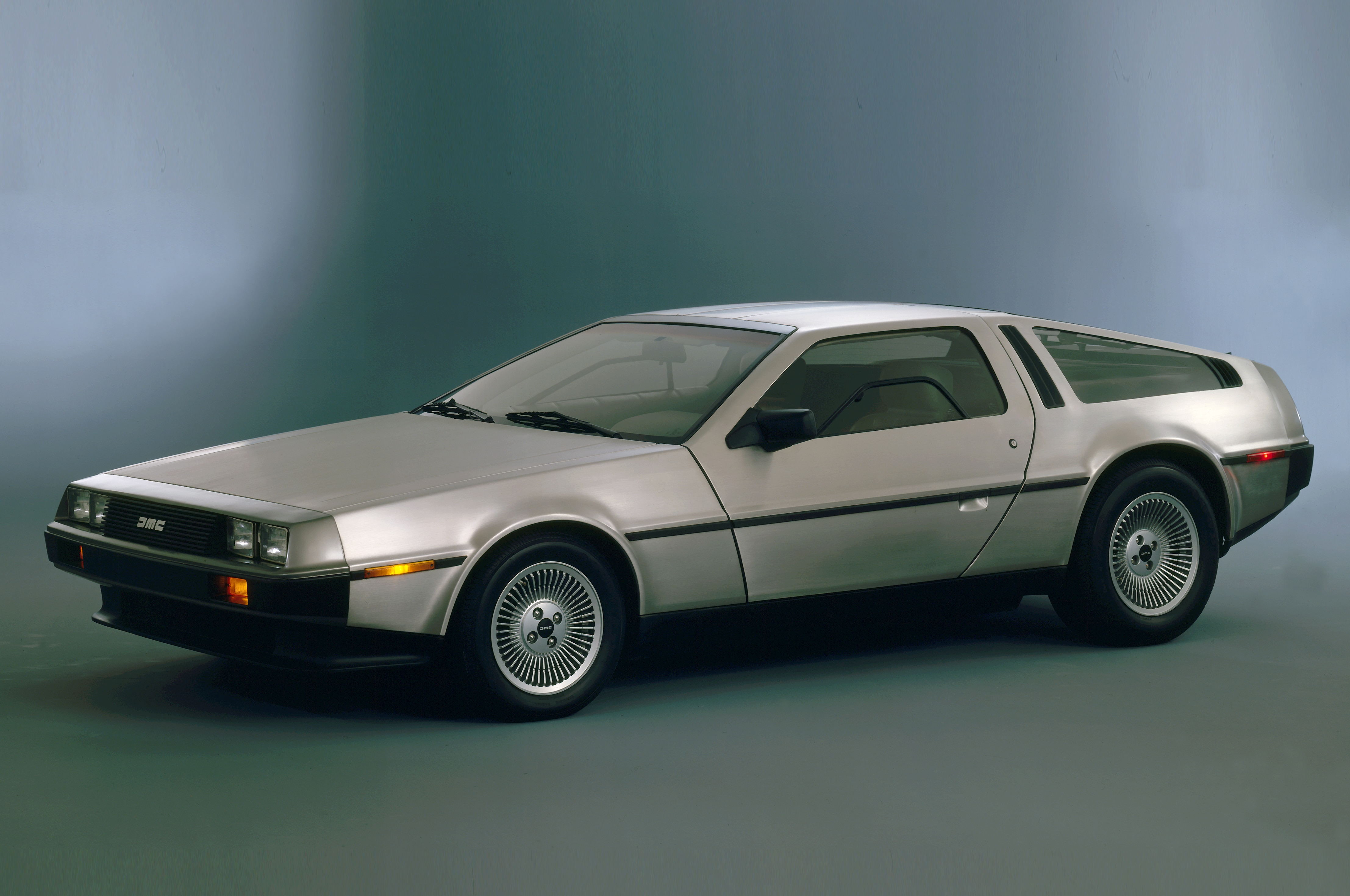 delorean to restart production as soon as 2017 aiming for 350 400 hp. Black Bedroom Furniture Sets. Home Design Ideas