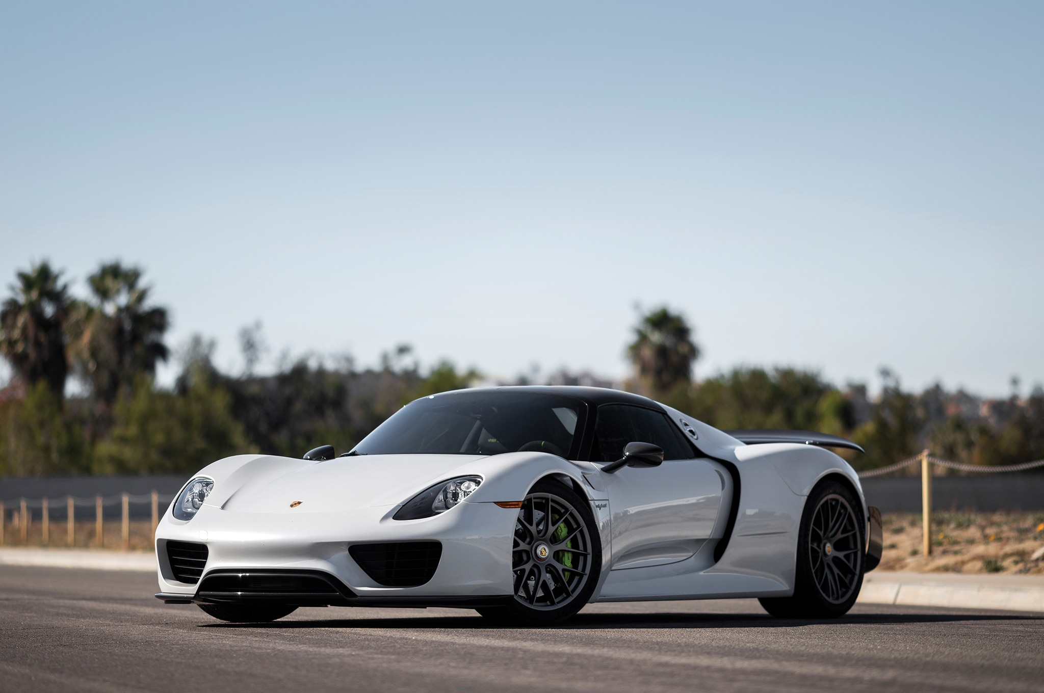 2015 Porsche 918 Spyder Scottsdale Front Three Quarters1