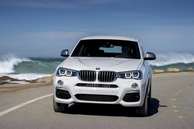 2016 BMW X4 M40i front three quarter 05 1
