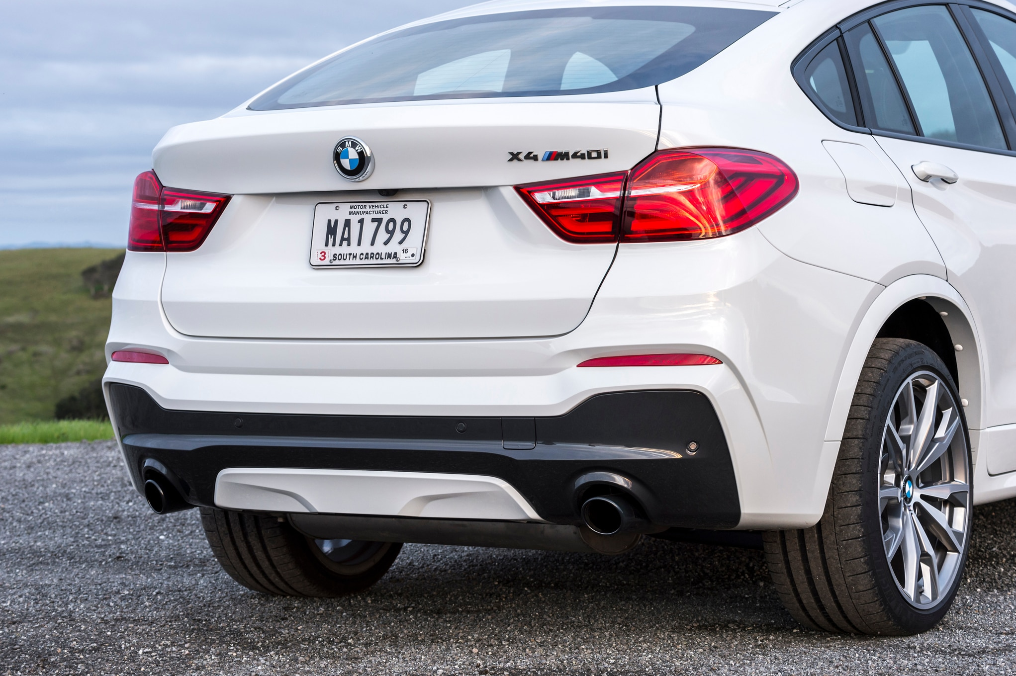 2016 bmw x4 m40i review. Black Bedroom Furniture Sets. Home Design Ideas