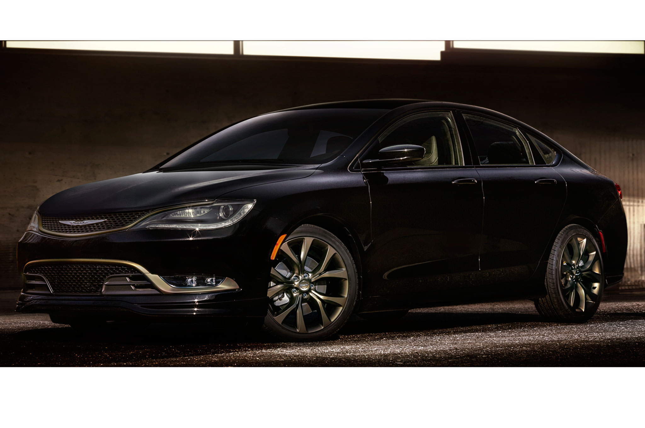 2016 chrysler 200s and 300s alloy editions revealed ahead of chicago. Black Bedroom Furniture Sets. Home Design Ideas