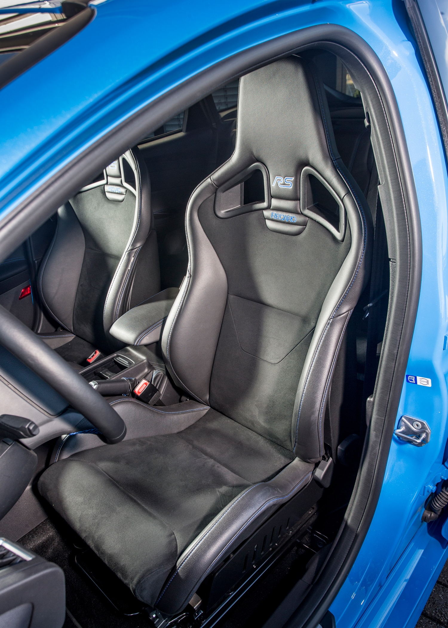 the ford focus rs has its own team of trained engine listeners. Black Bedroom Furniture Sets. Home Design Ideas