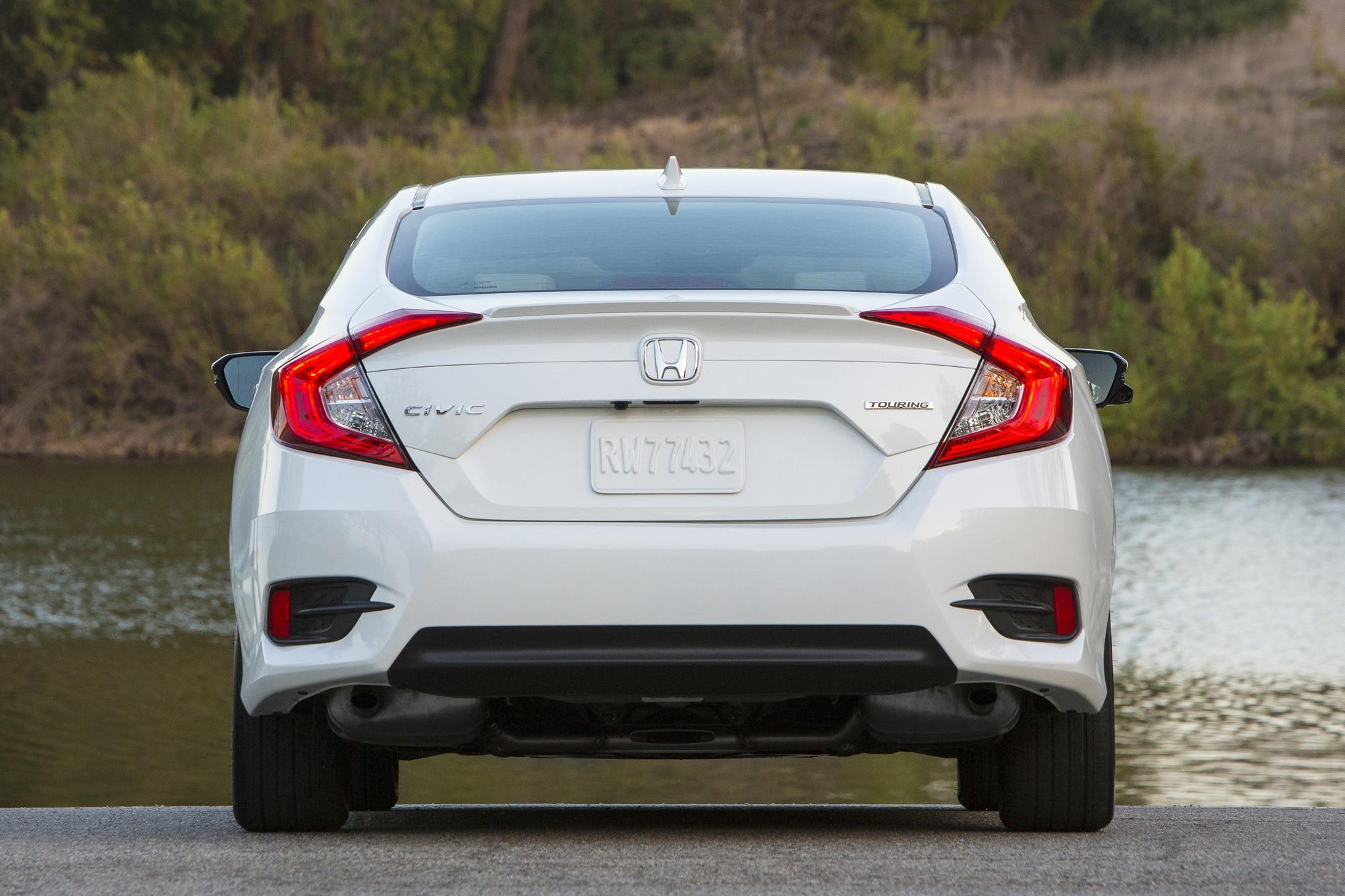 2017 honda civic hatchback spied with rear liftback dual exhausts automobile magazine. Black Bedroom Furniture Sets. Home Design Ideas