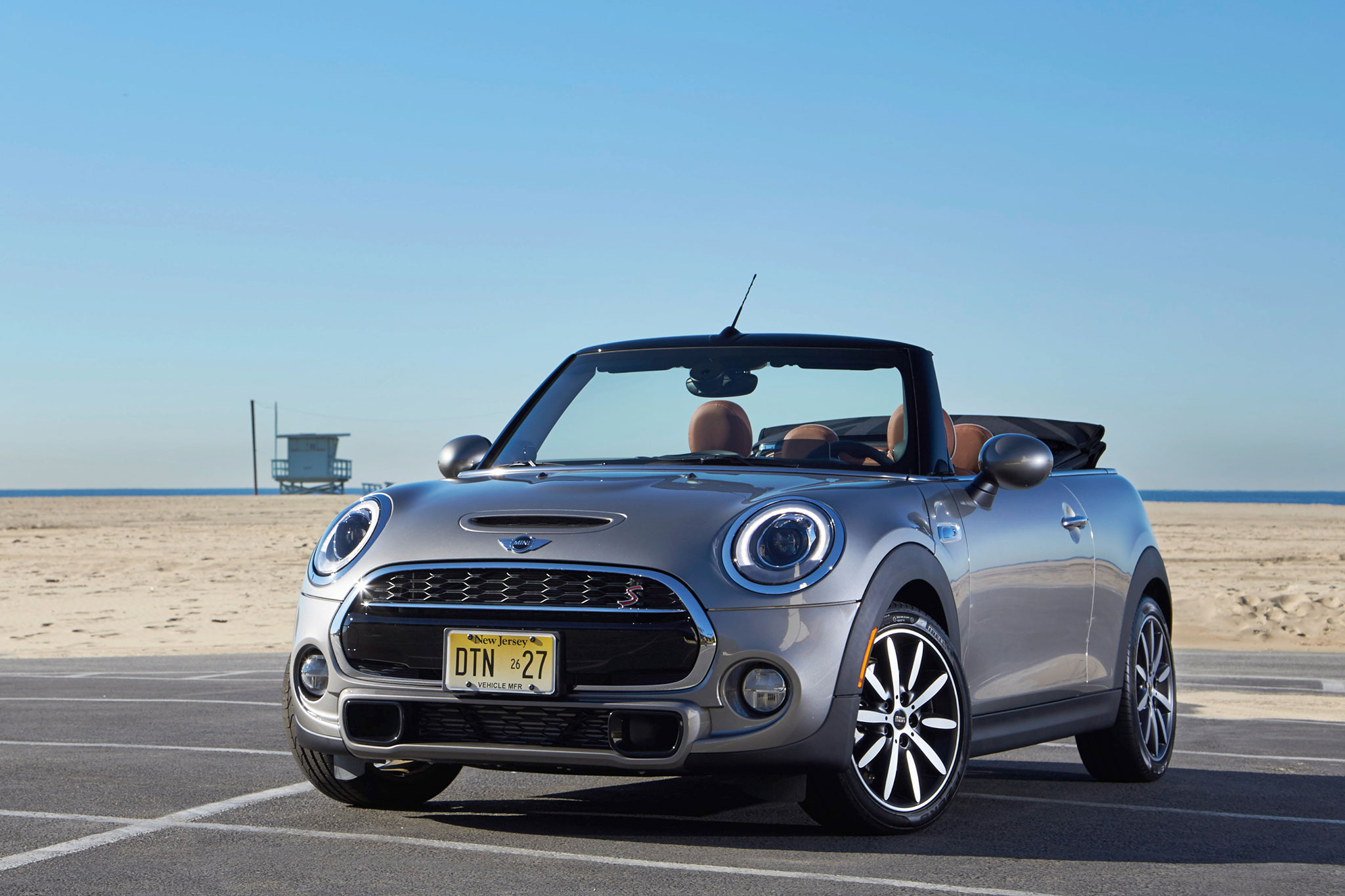 2016 mini cooper s convertible first drive automobile. Black Bedroom Furniture Sets. Home Design Ideas