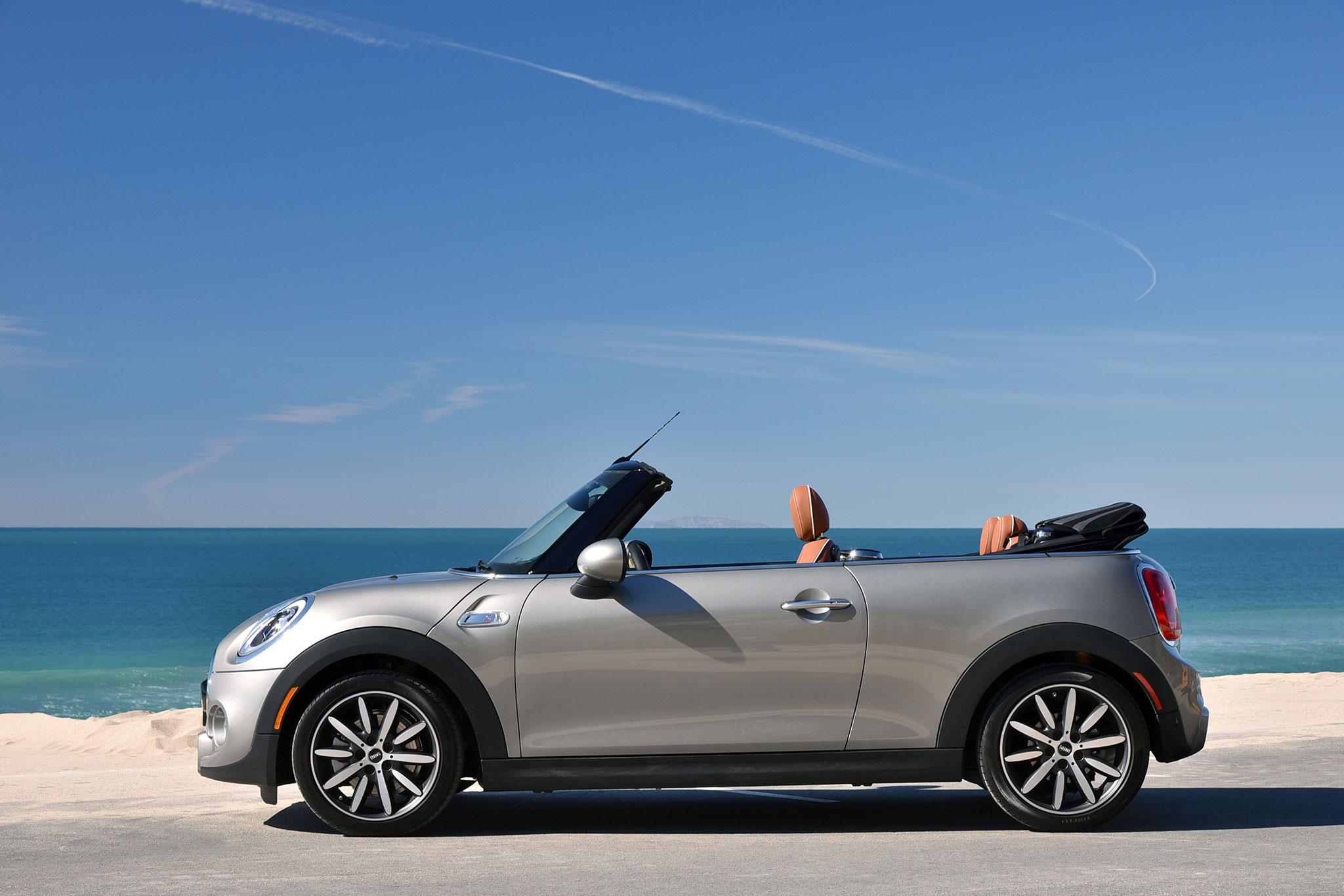 2016 Mini Convertible Cooper S side profile 02 1