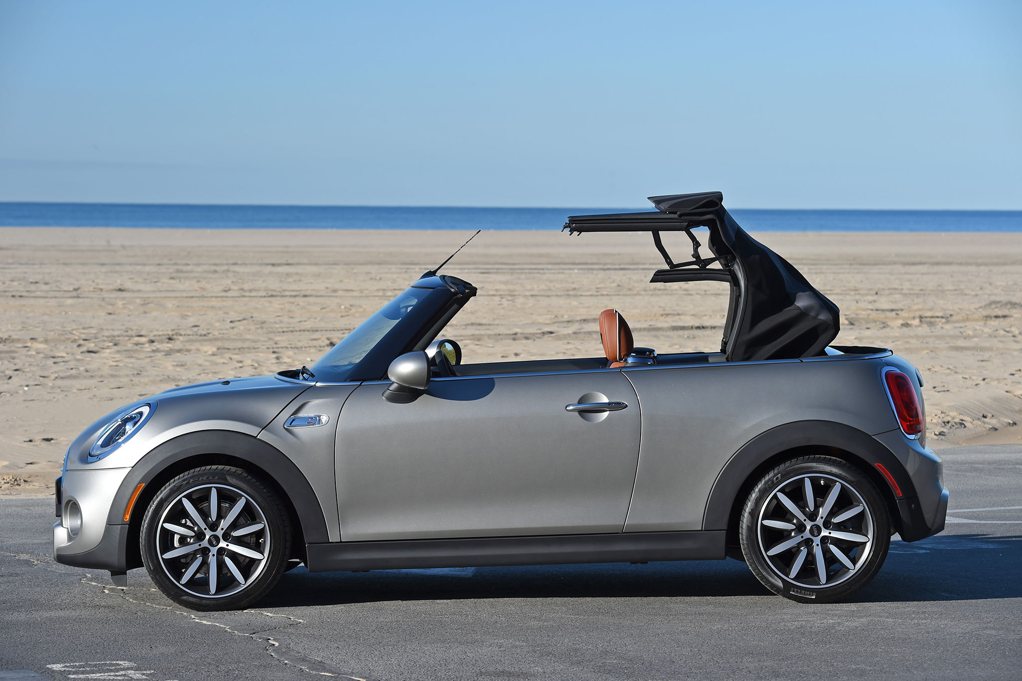 2016 mini cooper s convertible review. Black Bedroom Furniture Sets. Home Design Ideas