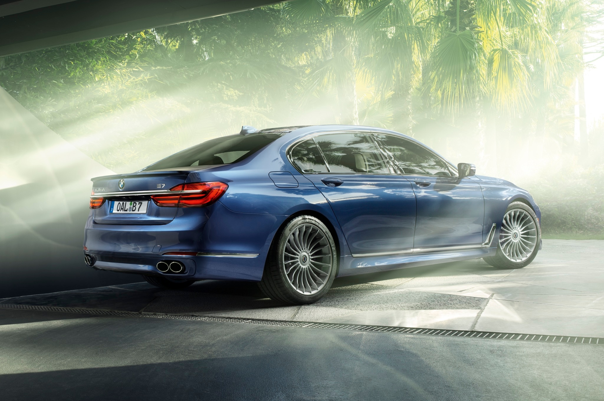 2017 Bmw Alpina B7 Xdrive Is A 600 Hp 193 Mph Luxury Sedan