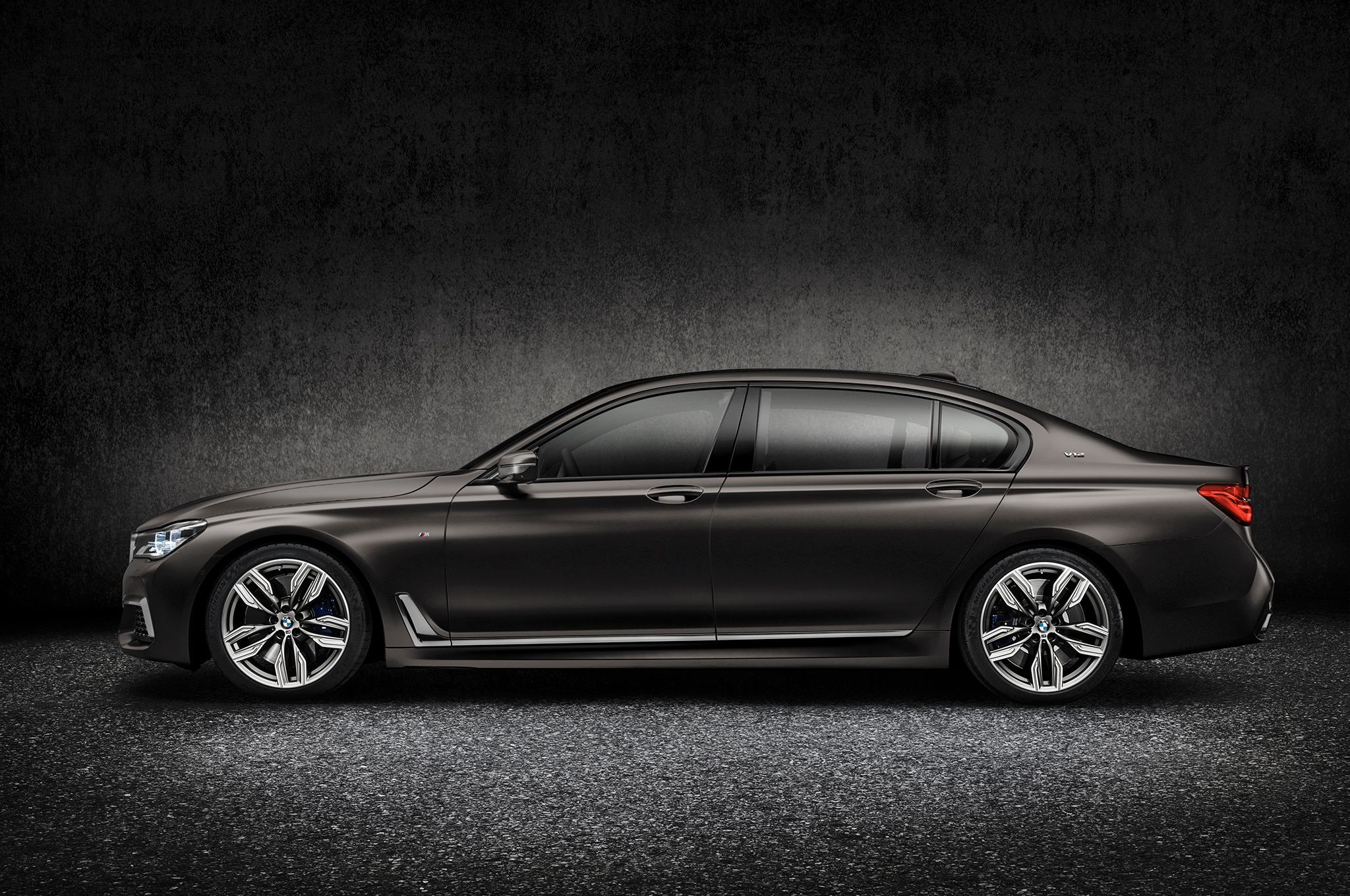 2017 bmw m760i xdrive is a 12 cylinder high performance luxury sedan. Black Bedroom Furniture Sets. Home Design Ideas