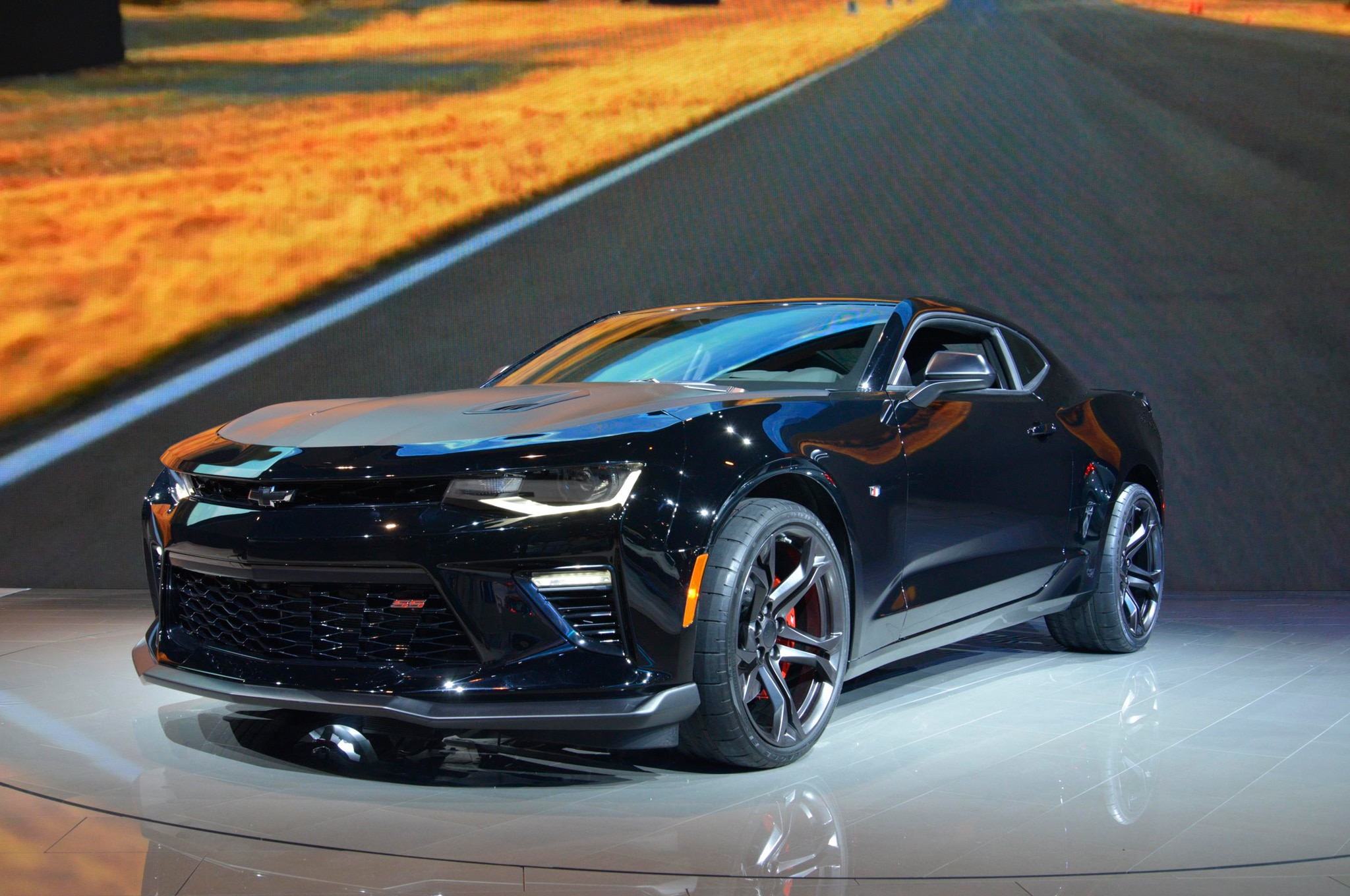 2017 chevrolet camaro ss 1le new v 6 1le revealed for chicago show. Black Bedroom Furniture Sets. Home Design Ideas