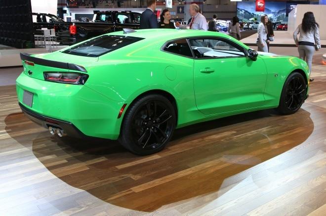 2017 Chevrolet Camaro 1LE rear three quarter 1