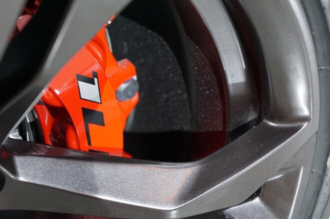 2017 Chevrolet Camaro SS 1LE brake detail