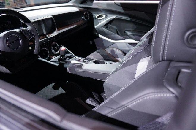 2017 Chevrolet Camaro SS 1LE interior
