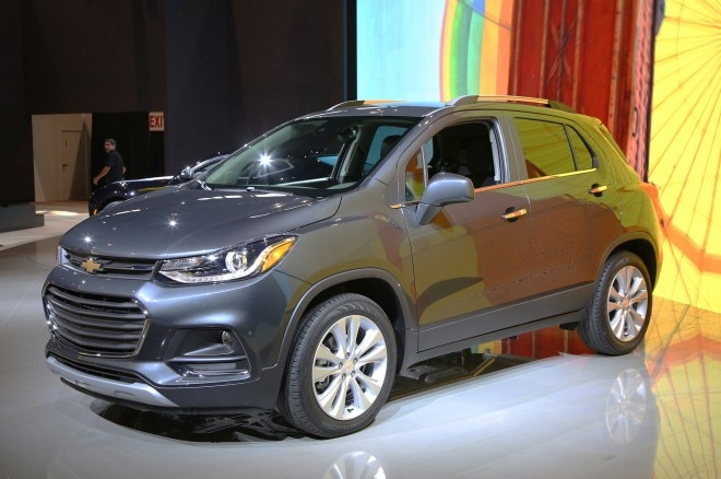 2017 Chevrolet Trax front three quarters