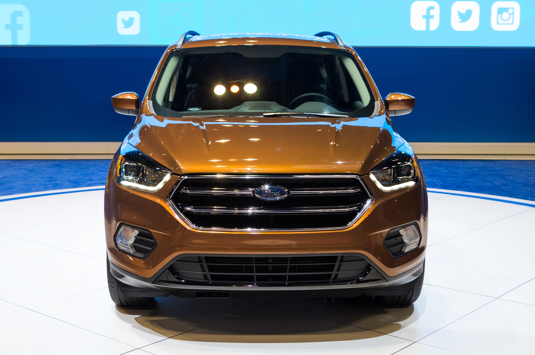 2017 ford escape adds new sport appearance package. Black Bedroom Furniture Sets. Home Design Ideas