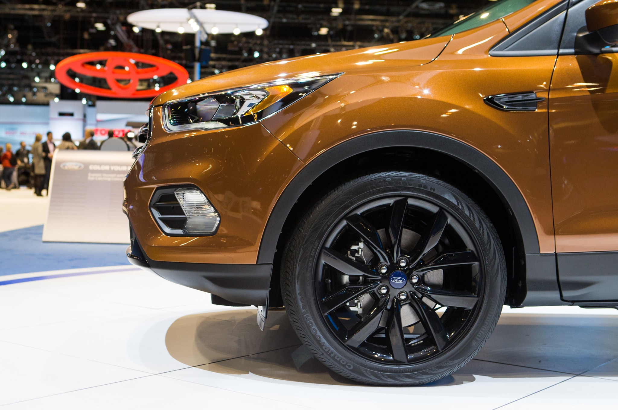 2020 Ford Escape Sport Apperance Package front wheels