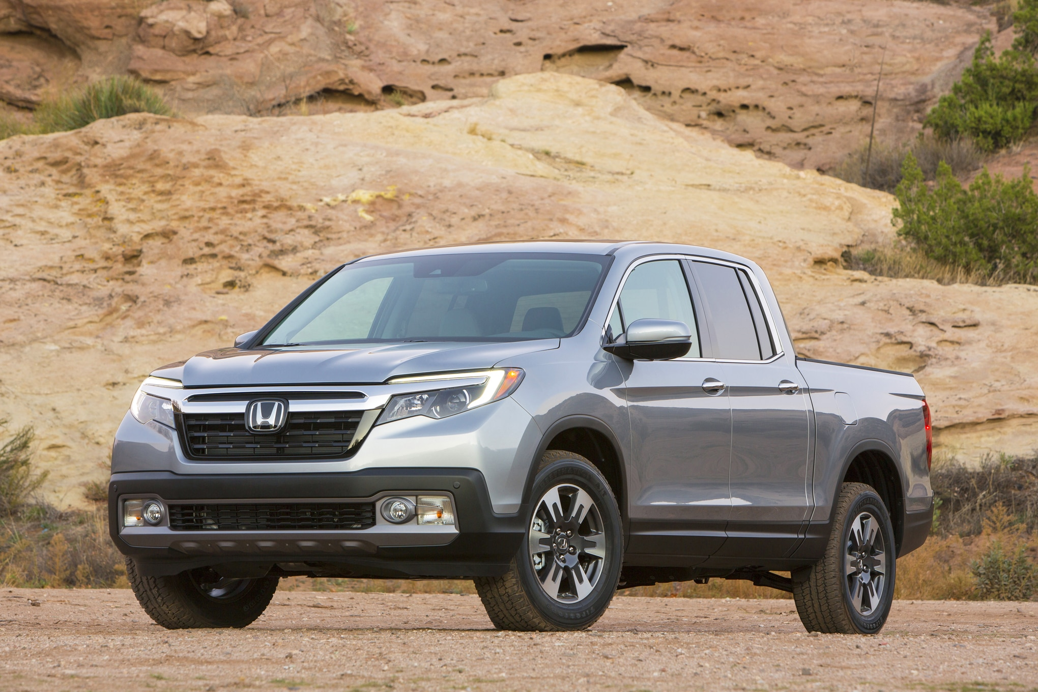 2017 honda ridgeline rated up to 26 mpg automobile magazine. Black Bedroom Furniture Sets. Home Design Ideas